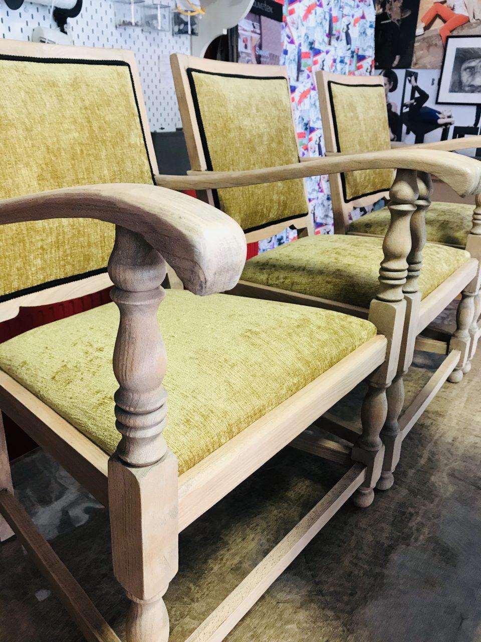Zandstralen stoelen velours zwarte galon