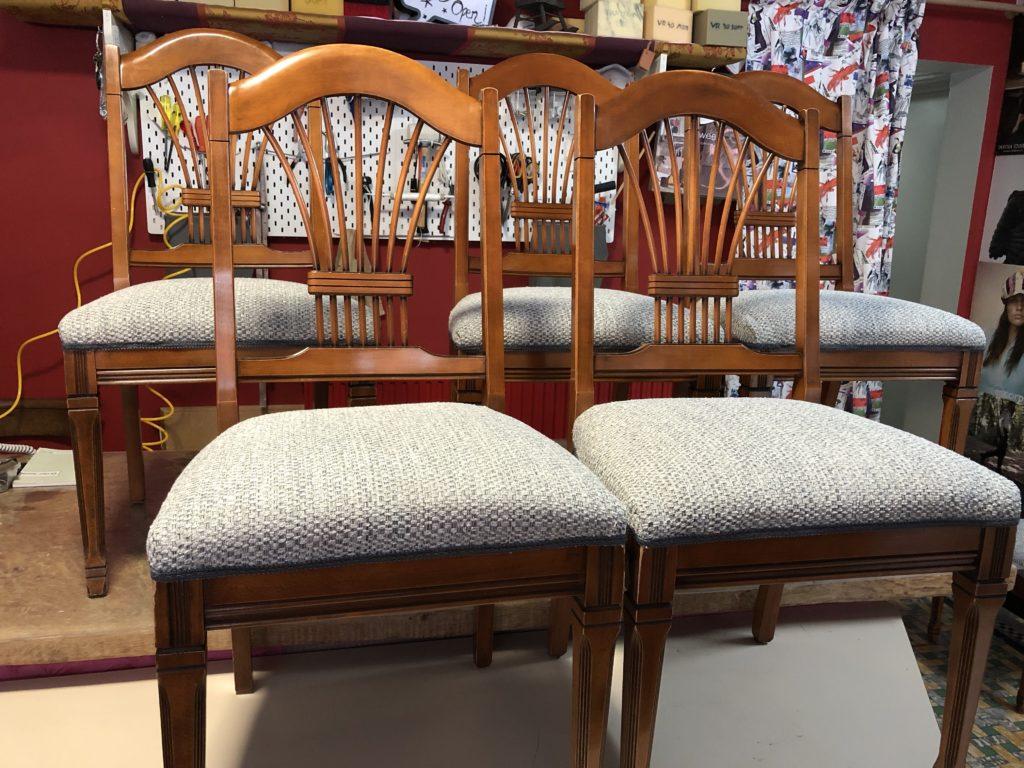 Klassieke stoel geherstoffeerd